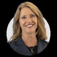 Headshot - Janine Cummings - Meet the Team
